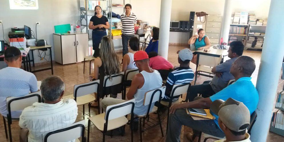 Reunião dos Catadores com auxílio do CIDS